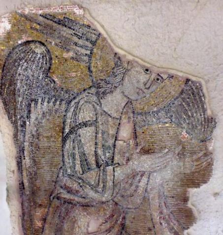 Około dwuipółmetrowy anioł należy do grupy sześciu aniołów, które przyjmują pielgrzymów w Bazylice Narodzenia Pańskiego, jednym z najstarszych kościołów chrześcijańskich.