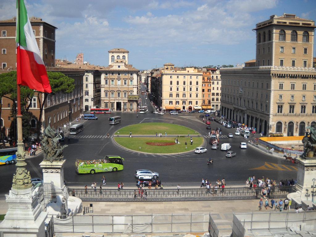 Piazza Venezia, fot. Gobbler/Wikipedia