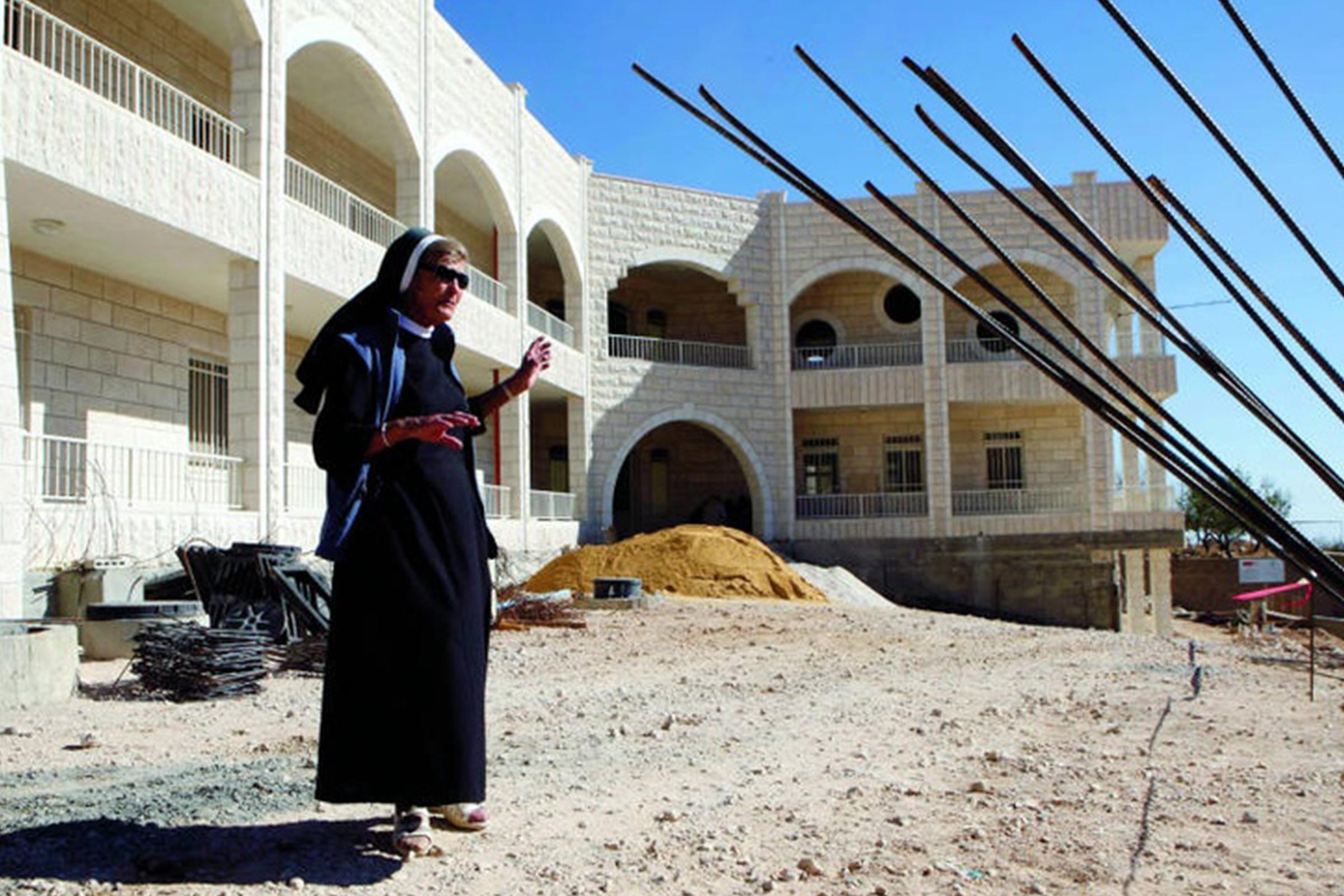 S. Rafaela przy budowie Home of Peace w Betlejem, fot. Archiwum Sióstr Elżbietanek