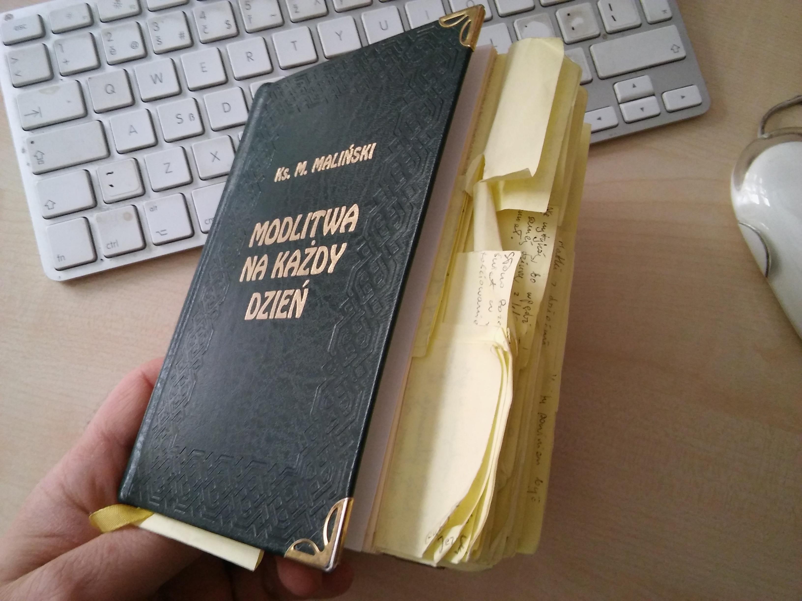 Jedna z książek ks. Malińskiego, którą wykorzystałem w pisaniu pracy magisterskiej. Te fiszki mają już 14 lat.
