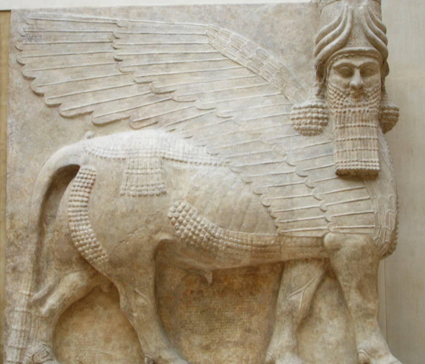 Wszyscy wiemy, że połączenie różnych istot i symboli było dość powszechne w starożytnym Egipcie, a także w starożytnej Mezopotamii. I tu warto przypomnieć sobie egipskie sfinksy, skrzydlate babilońskie byki i greckie harpie, ponieważ Ezechiel był jednym z żydowskich proroków, którzy żyli na wygnaniu w Babilonie około VI wieku przed Chr., więc jego wizja mogła ukształtować się pod wpływem - jak twierdzą bibliści - starożytnych motywów sztuki asyryjskiej, w których te kombinacje były rzeczywiście dość powszechne.