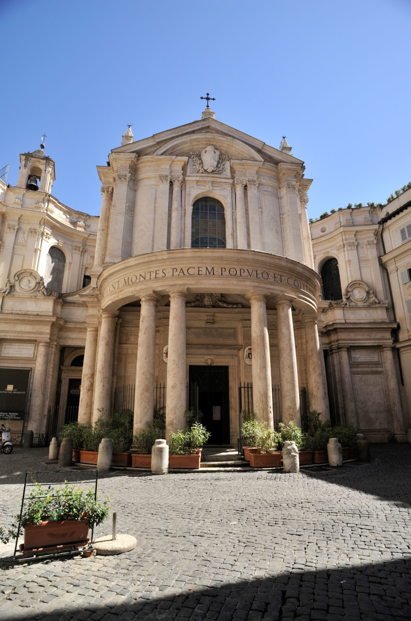 Kościół Matki Bożej Królowej Pokoju w Rzymie