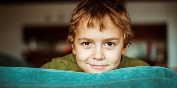 Uśmiechnięty chłopiec