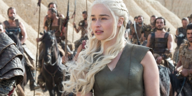 Daenerys Targaryen przewodzi oddziałowi wojska