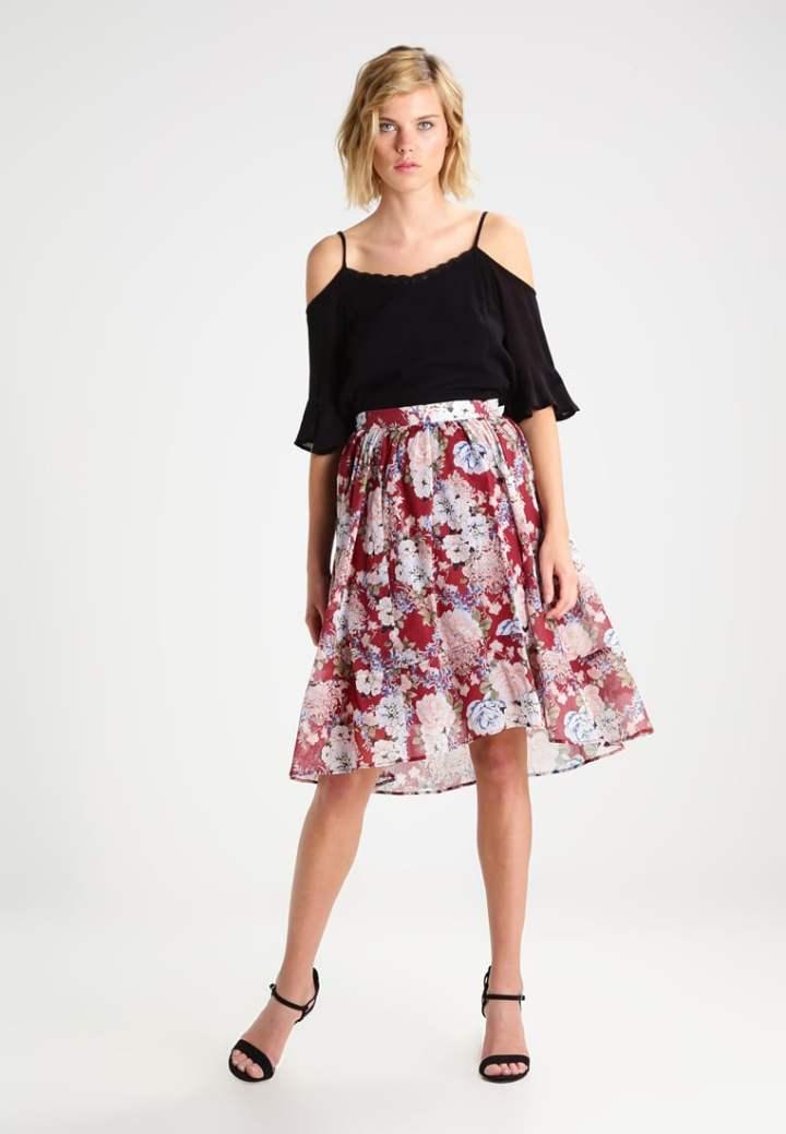 Trapezowa spódnica w kwiaty marki Mint&Berry