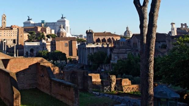 Zabytkowe centrum Rzymu, Forum Romanum i Wzgórze Palatyńskie.