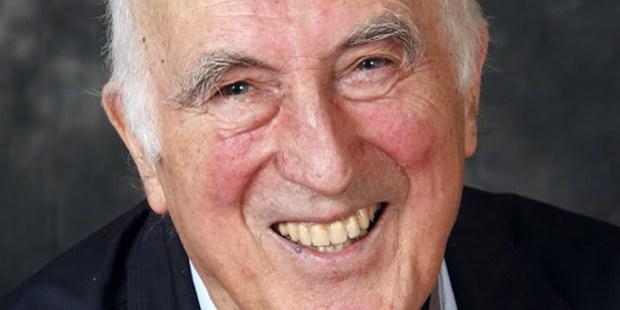Uśmiechnięty Jean Vanier