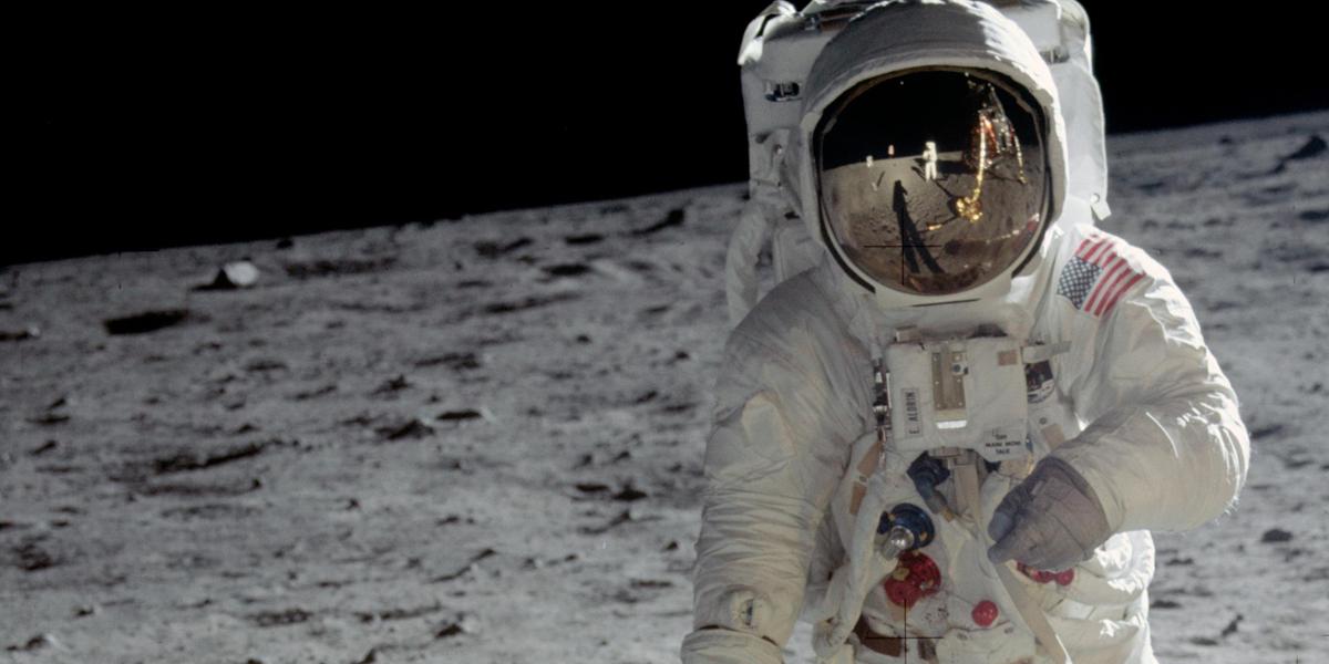 Astronauta na księżycu