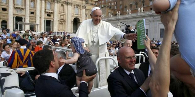 Matki przekazują papieżowi raport