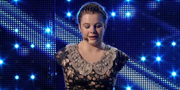 Lorealai Mosnegutu podczas występu w programie Mam Talent