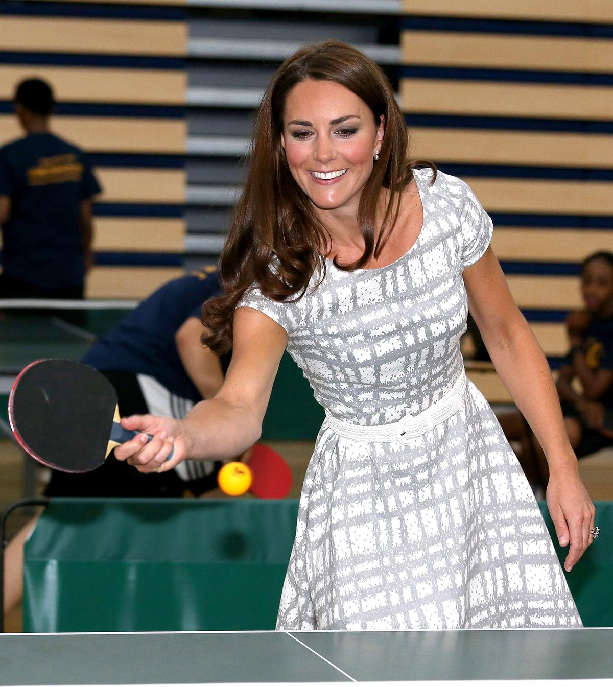 Księżna Kate gra w tenisa stołowego
