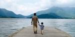 Ojciec z synem nad jeziorem