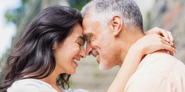 Para w średnim wieku, zakochanie po okresie wdowieństwa