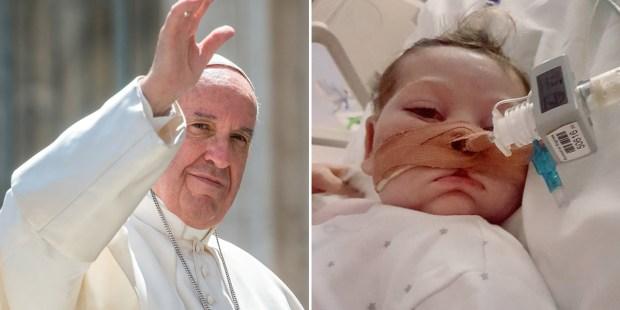 Z lewej Papież Franciszek, z prawej mały Charlie