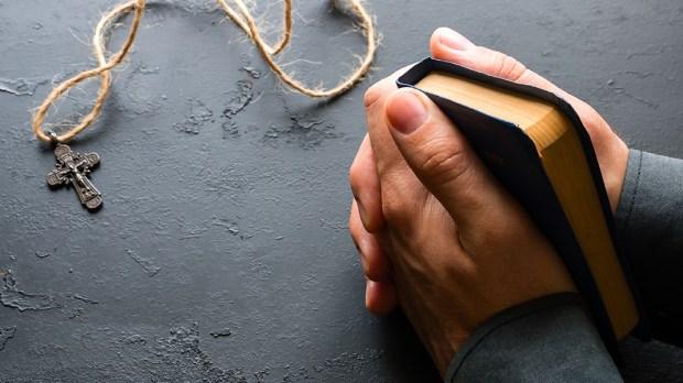 Ręce złożone do modlitwy