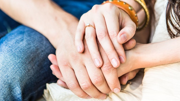 COUPLE, MARRIED, PRAYING, HANDS