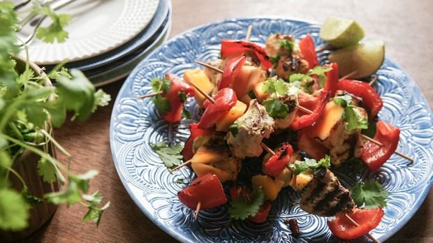 Szaszłyki z kurczakiem mango i papryką