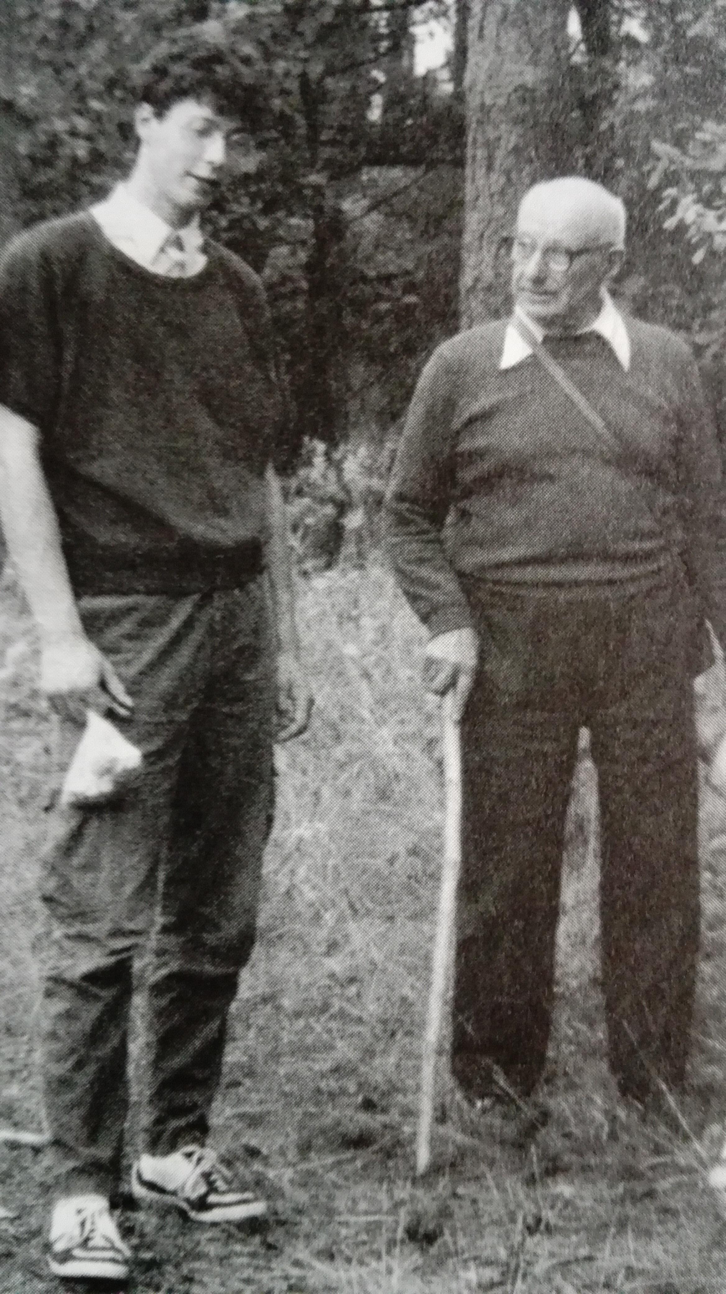 Młody Szymon Majewski z dziadkiem Ignacym