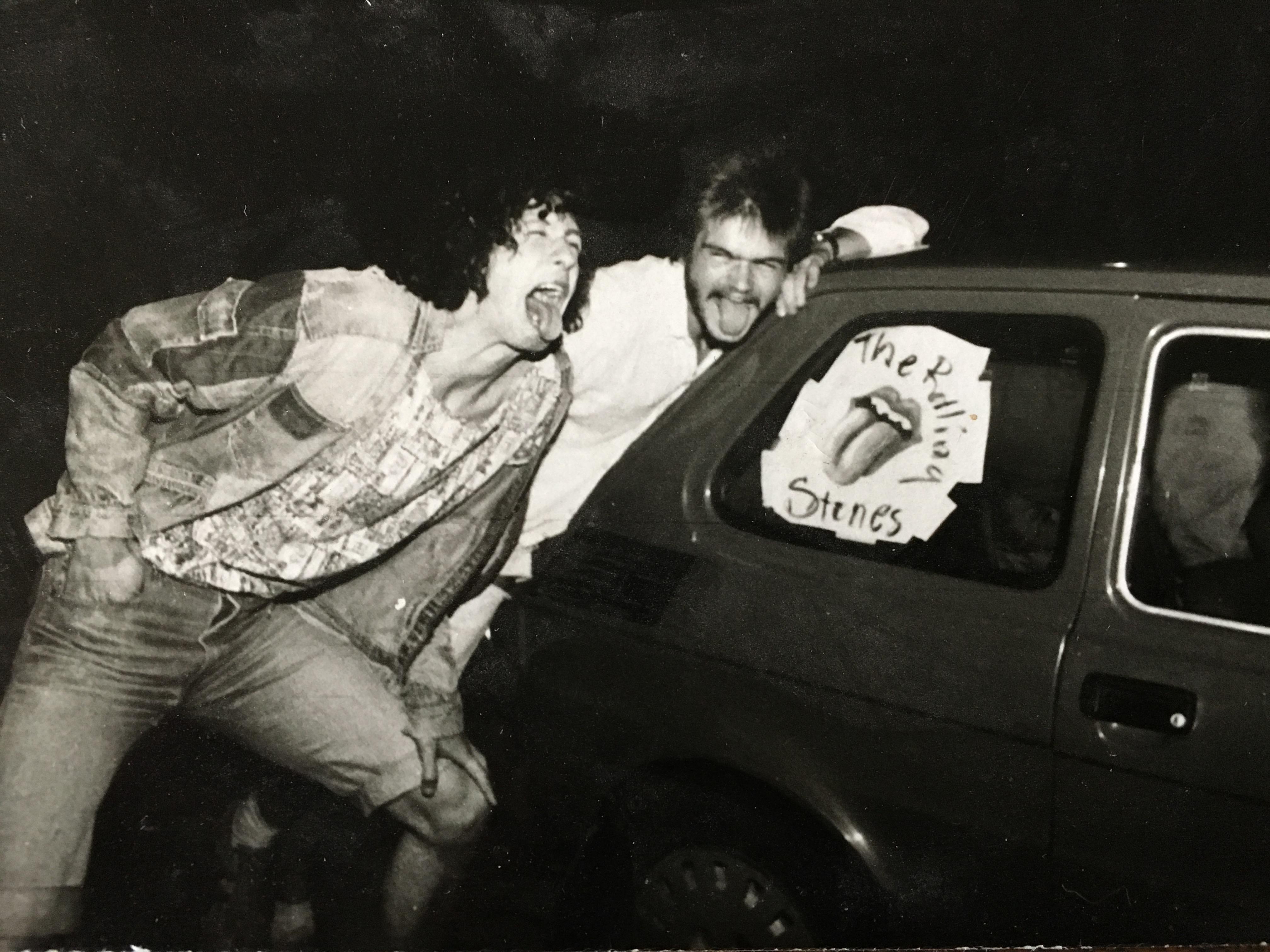 Szymon Majewski i Domian Nowakowski w drodze na koncert Rolling Stones