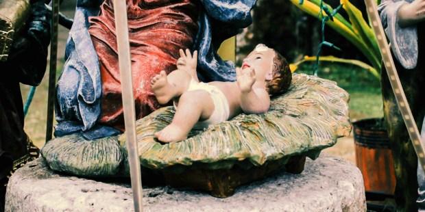 DZIECIĄTKO JEZUS W ŻŁÓBKU