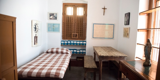 MOTHER TERESA,ROOM