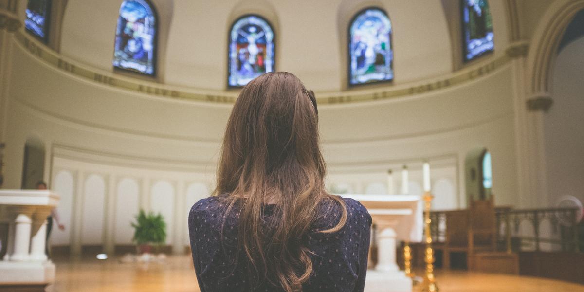 WOMAN,PRAYING,PRAYER