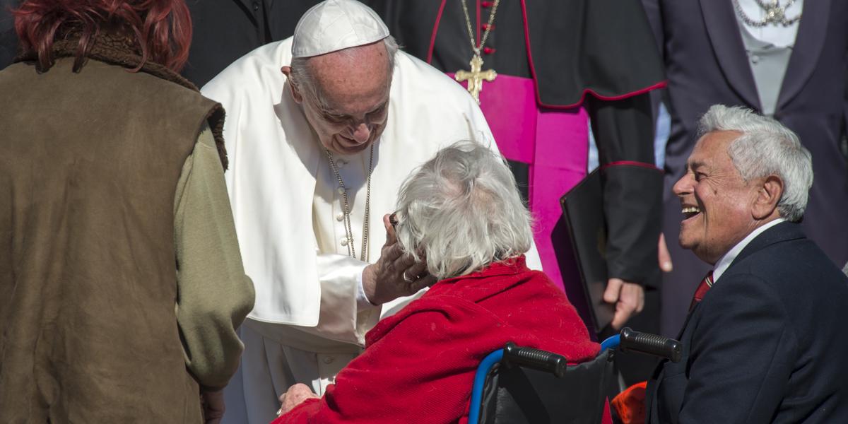 POPE GENERAL AUDIENCE ELDERLY
