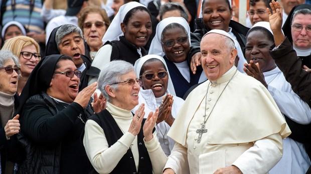 NUNS,POPE FRANCIS