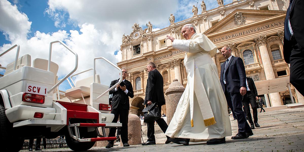 POPE FRANCIS,SKIES,WEATHER