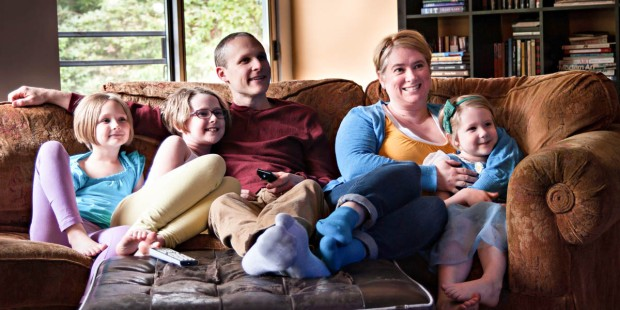 FAMILY,COUCH