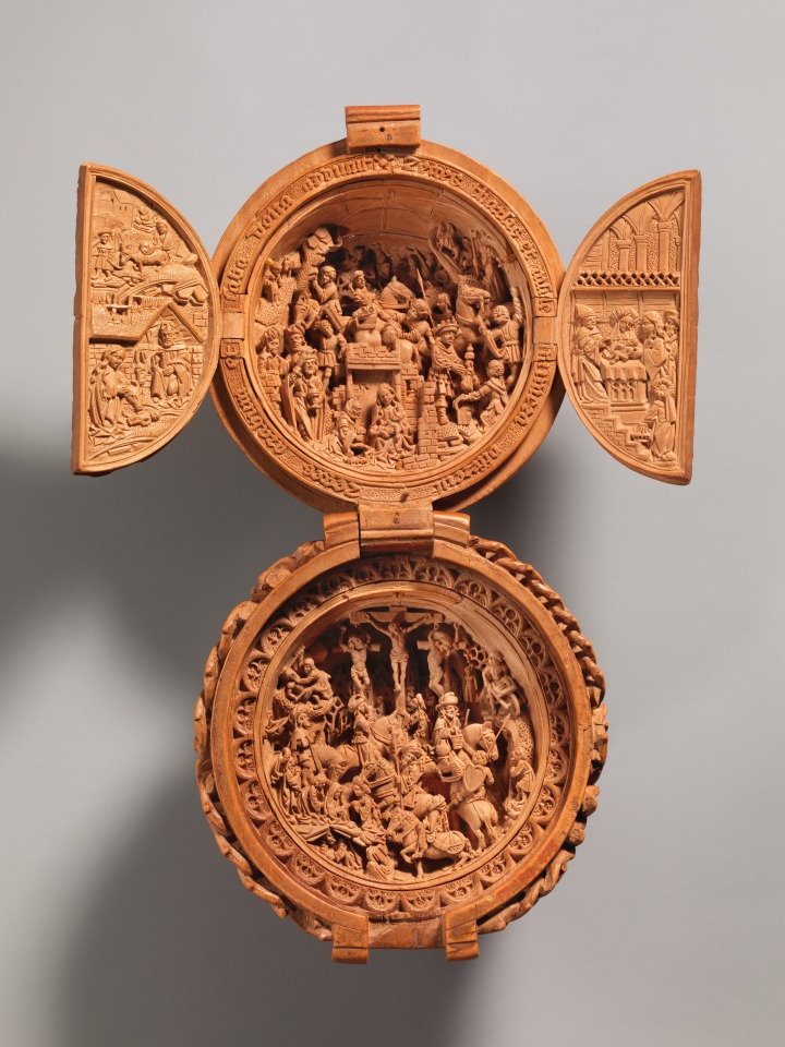 CARVED ROSARY BEAD; NETHERLANDS