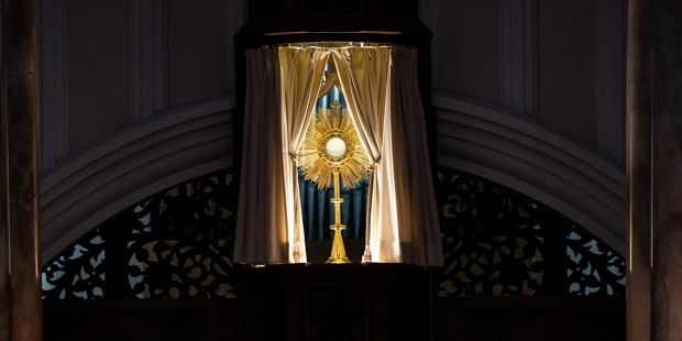 EUCHARIST,ADORATION,DOMINICAN SISTERS