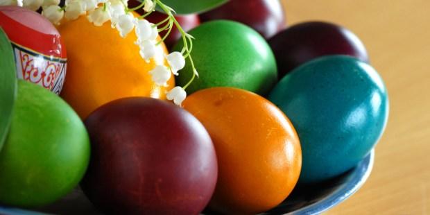 Easter eggs, Plate