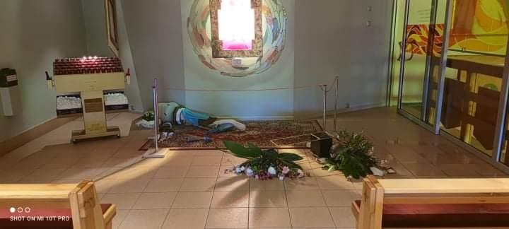 [GALERIA] Profanacja kaplicy adoracji Najświętszego Sakramentu w kościele pw. św. Maksymiliana M. Kolbego w Koninie