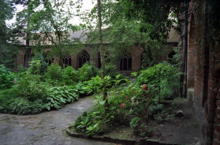 [GALERIA] Najpiękniejsze klasztorne ogrody w Polsce