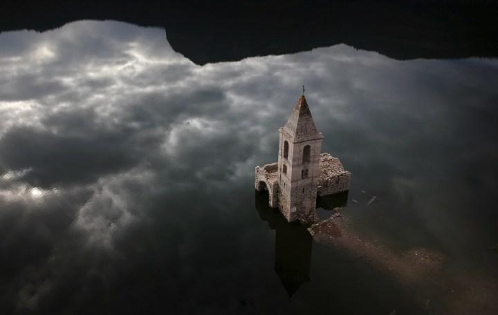 [GALERIA] Zatopione kościoły. Zobacz 9 niezwykłych świątyń z całego świata