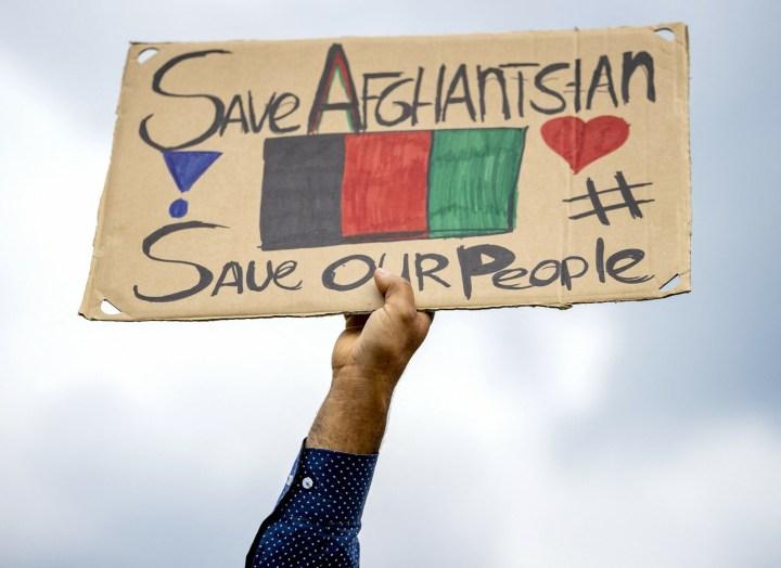 [GALERIA] Co możemy zrobić dla Afgańczyków? 7 form pomocy w jednym miejscu