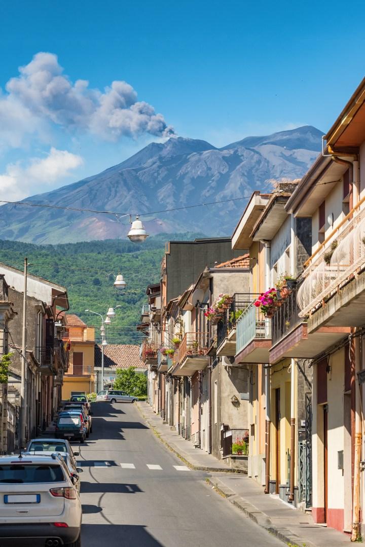 [GALERIA] Jak Matka Boża zatrzymała lawę z wulkanu Etna