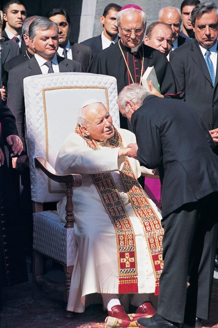 [GALERIA] Jan Paweł II, pamięć o ludobójstwie Ormian, Charles Aznavour i modlitwa, która porusza góry
